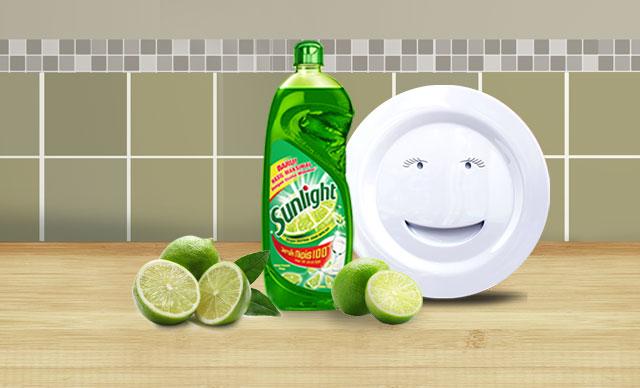 bersihkan lemak di piring