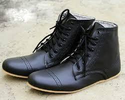 Pilihan Boots Tepat Sesuai Bentuk Kaki