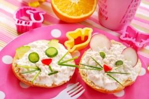 Buatlah Makan Menjadi Kegiatan Yang Menyenangkan Bagi Anak