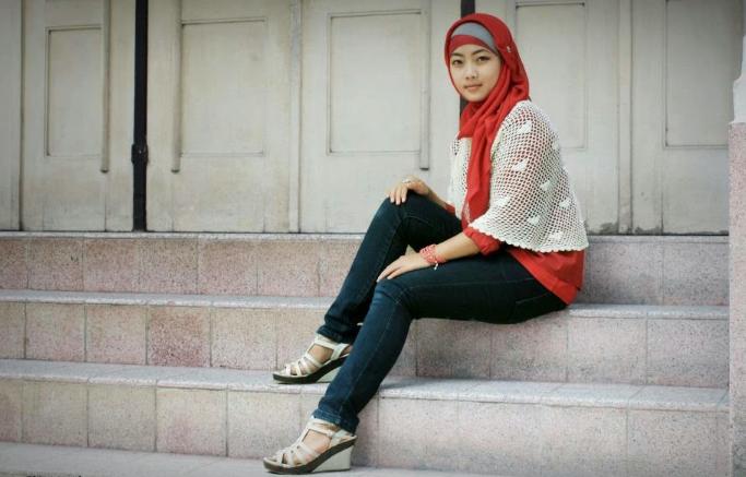 kenakan-model-jilbab-masa-kini-ayng-sesuai-dengna-anda